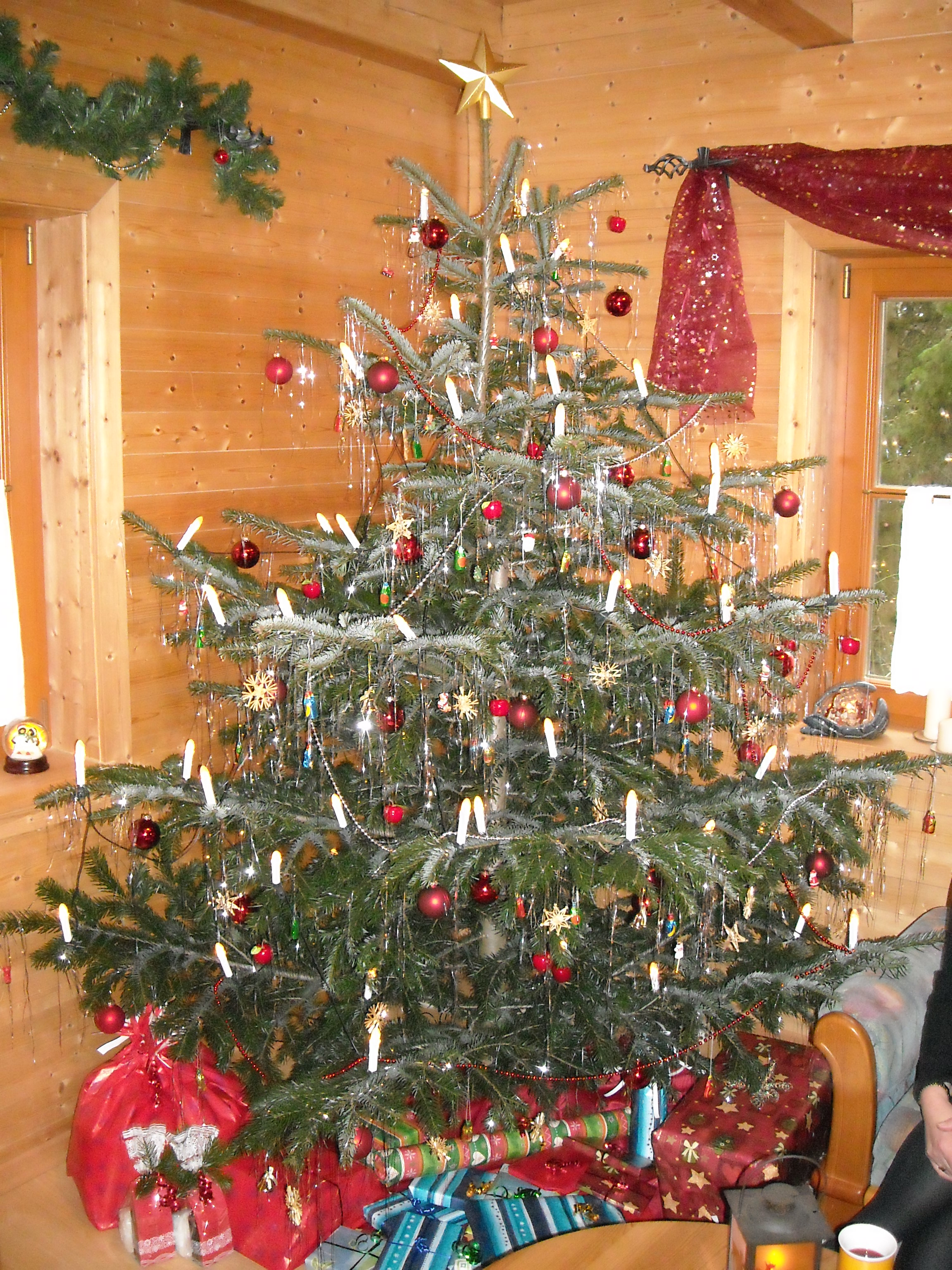 weihnachtsbaum mit lametta my blog. Black Bedroom Furniture Sets. Home Design Ideas